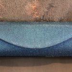 Pochette bleue métallique texture tricotée Lya Création