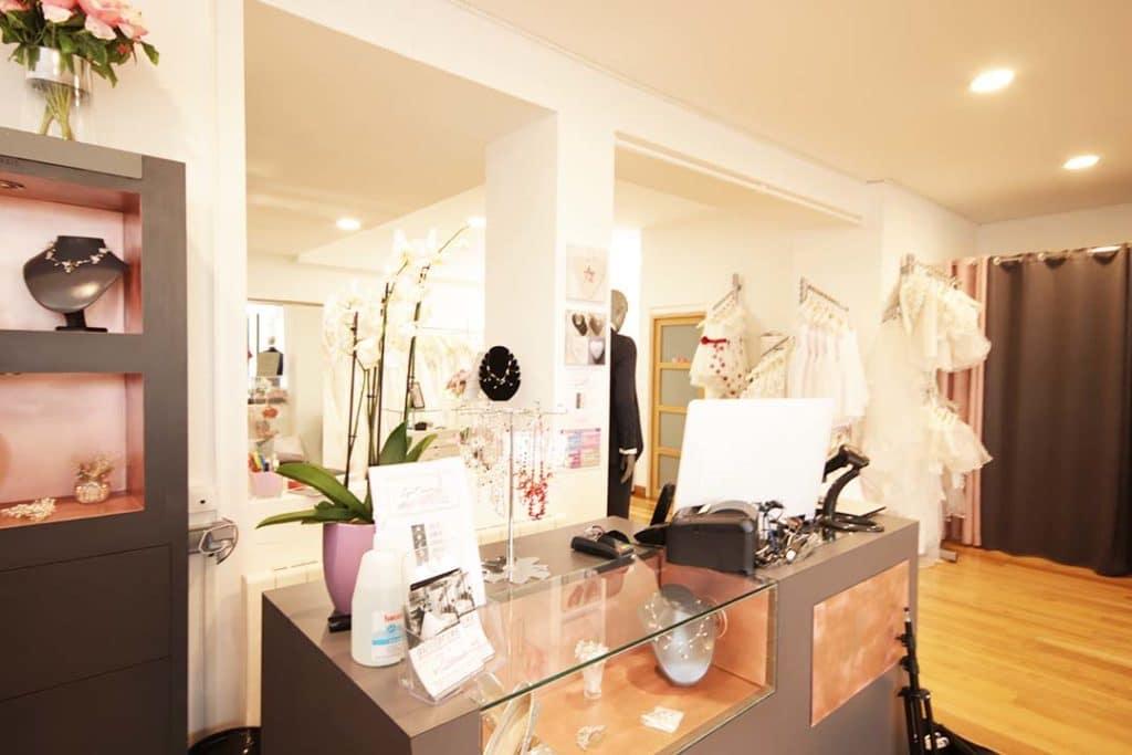 Photo boutique Lya Création avec comptoir